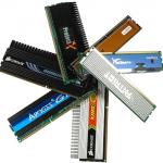 O Bits Gamer Junior vêm equipado com 4GB de memoria RAM, DDR3 1600 mhz, em algumas versões é possível encontrar em sua configuração a Kingston HyperX Fury e em outras a Gskill NS Series.