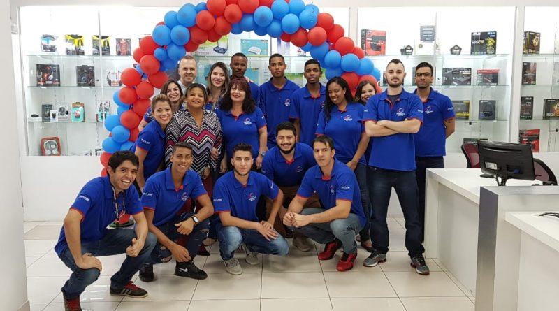 E-commerce pioneiro no Brasil comemora seus 22 anos. Conheça a Oficina dos Bits.